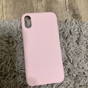 Accessories - Pink silicone iphone xr case